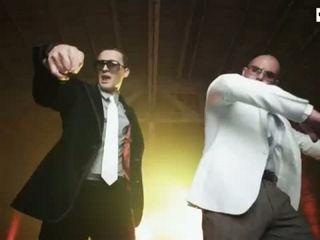 Courtney Argue Vs Jeremy Greene Feat. Pitbull - Make It Rain