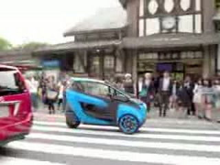 TOYOTA i-ROAD test driving in Tokyo
