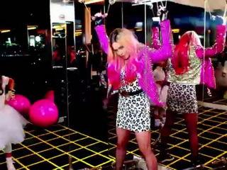 Madonna - B!tch I'm Madonna ft. Nicki Minaj