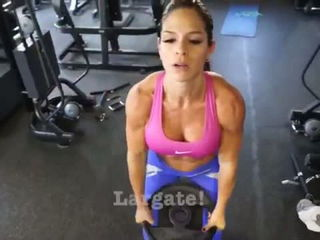 MICHELLE LEWIN Workout - Shoulders - Small Tricks Big Results