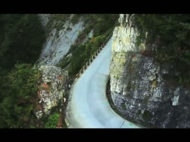 RED BULL TIANMENSHAN MOUNTAIN DRIFT KING BATTLE FULL VERSION