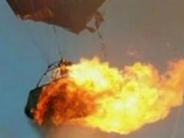 Hot Air Balloon Caught Fire and Crashes In Texas