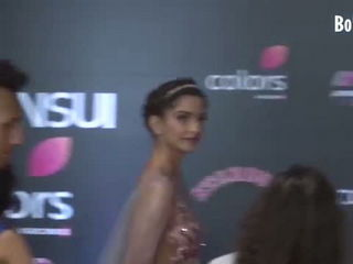 Sonam Kapoor Wardrobe Malfunction Hot