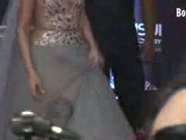 Sonam Kapoor Wardrobe Malfunction Hot