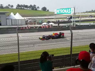 Formula 1 2014 Sepang Start... Pure and Good Sound
