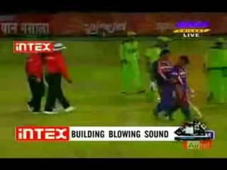 Cricket: Fight Between Pakistan And Indian Players