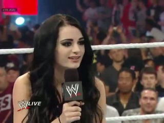 Paige vs. AJ Lee - Divas Championship Match- Raw