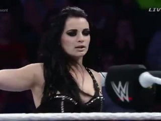 Emma vs. Paige- WWE Main Event