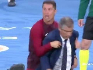 Cristiano Ronaldo Acting as Coach After Injury Portugal vs France Euro 2016 FInal