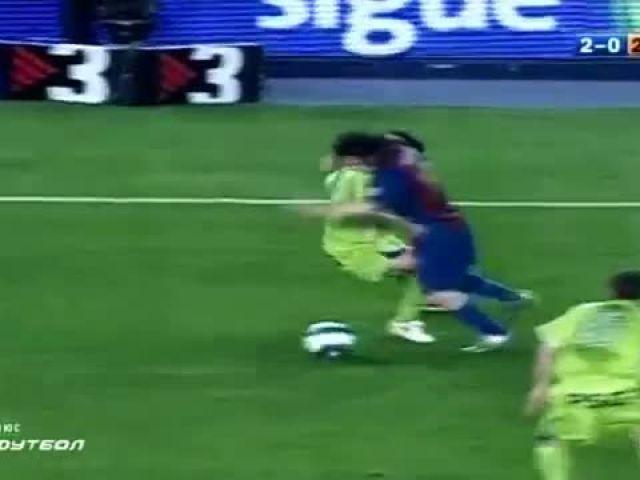 Lionel Messi vs Diego Maradona - Similar Goals Compilation
