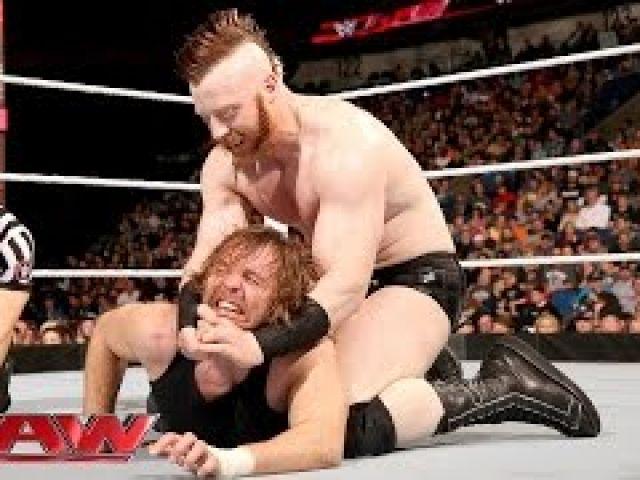 WWE Dean Ambrose vs. Sheamus