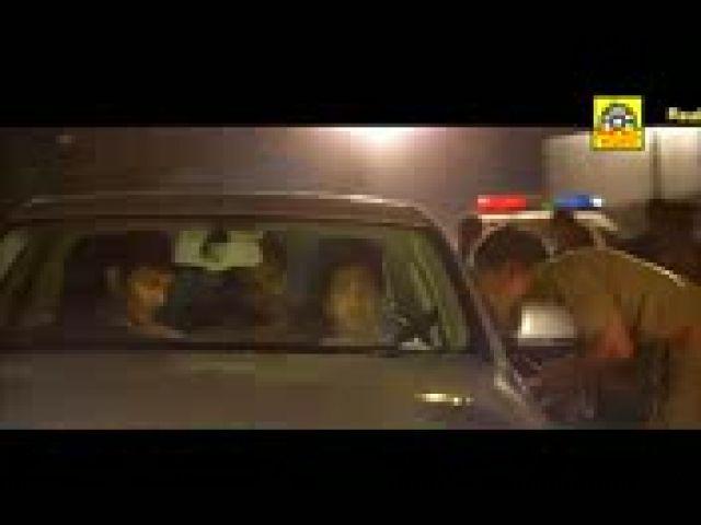 Endrendrum Punnagai - Santhanam Best Comedy Scene
