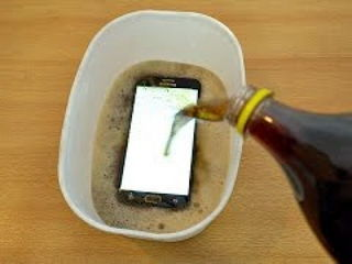 Samsung Galaxy J7 Prime - Coca Cola Test!