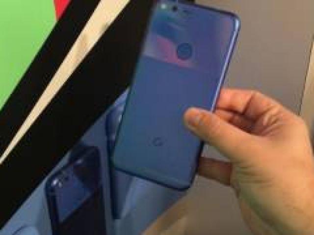 Google Pixel XL first hands-on