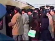 How Japan people get into train...!!!