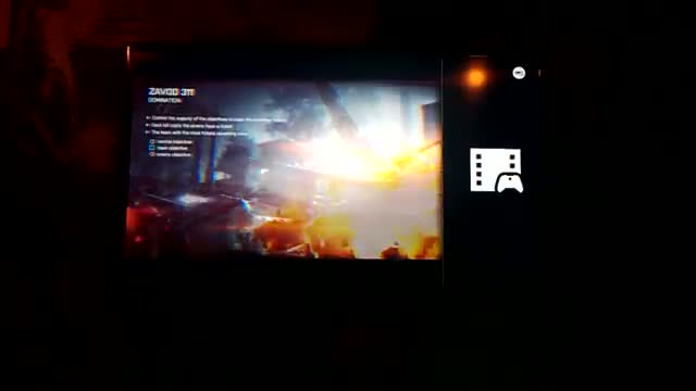 Xbox One dashboard app snapping
